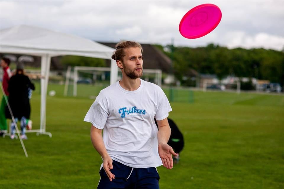freestyle frisbee